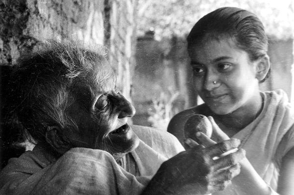 pather panchali the history meaning and making the cinemaholic