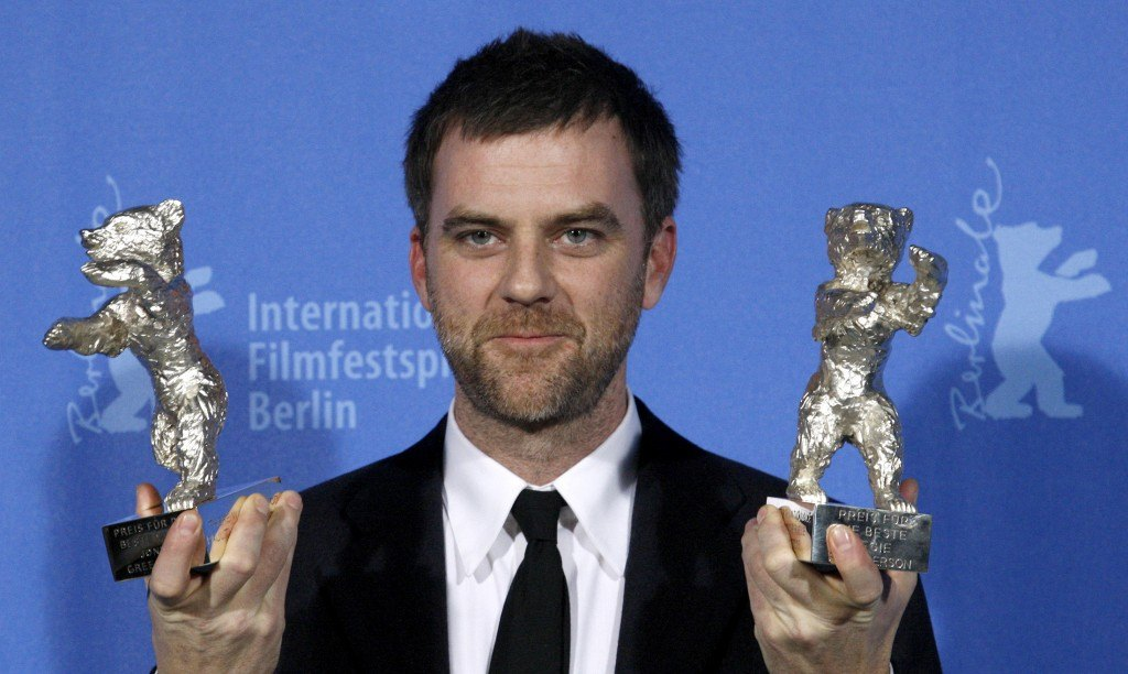 paul-thomas-anderson-poses-with-his-silver-bear-awards-for-there-will-be-blood