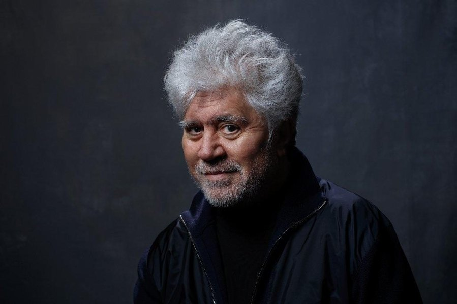 almodovar melodrama talk to her live Pedro almodovar has been pedro almodovar in such different ways for   melodrama talks its way into a thriller then back to melodrama then.