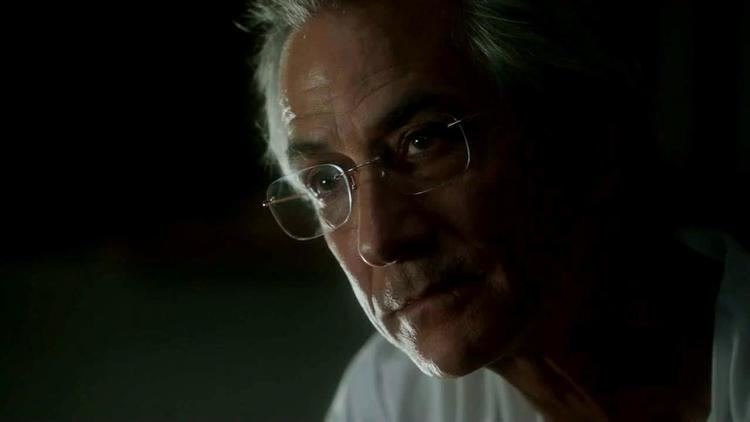 david strathairn Interrogation