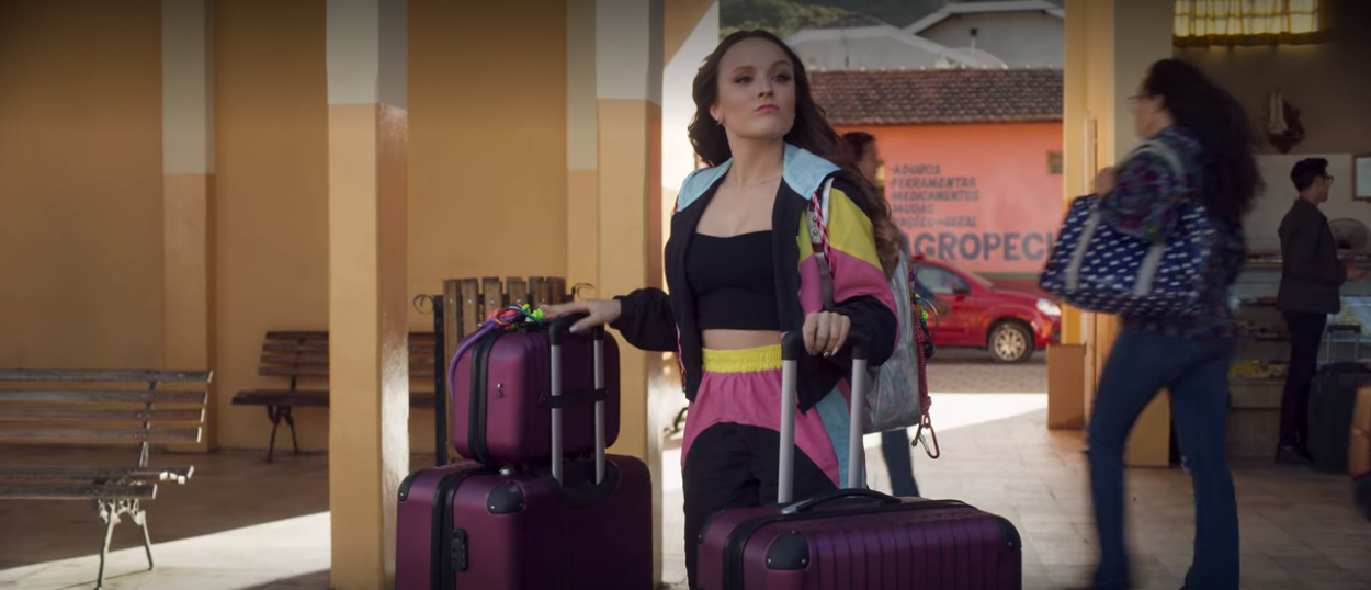 Is Airplane Mode A True Story Who Is Larissa Manoela